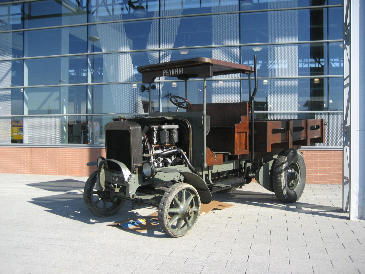 1 our Fiat 20B in front of the Iveco museum.jpg