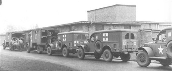ambulances.jpg.3db51d502a111e7230ea96176167860b.jpg