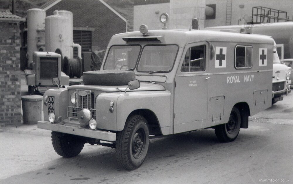 land-rover-s2-ambulance-00-rn-23.jpg