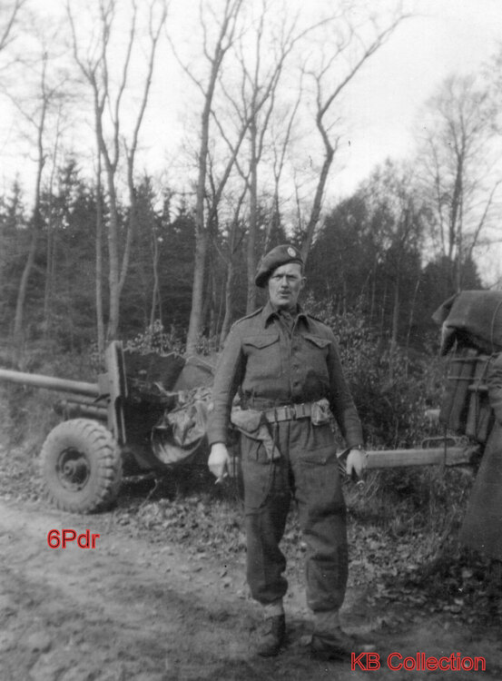 Dorset Regiment 6Pdr AT Gun 1945. RSM or CSM kb.jpg